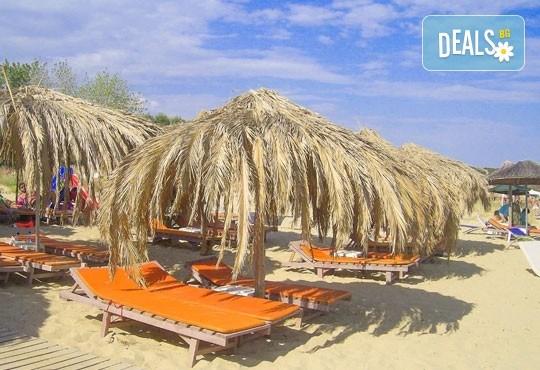 Каним Ви за 1 ден на един от най-хубавите плажове на слънчева Гърция - Амолофи, Неа Парамос! Транспорт и водач от Дениз Травел! - Снимка 2