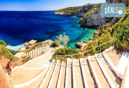 Септемврийски празници на о. Закинтос, Гърция! 4 нощувки със закуски и вечери, транспорт и фериботни билети! - Снимка 1