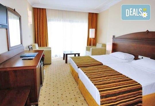 Гореща лятна почивка в Palm Wings Beach Resort Didim 5*, Дидим, Турция! 7 нощувки на база All Inclusive, възможност за транспорт! - Снимка 4