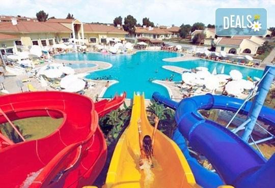 Гореща лятна почивка в Palm Wings Beach Resort Didim 5*, Дидим, Турция! 7 нощувки на база All Inclusive, възможност за транспорт! - Снимка 2