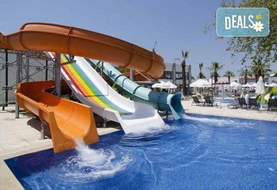 Луксозна почивка от август до октомври в Palm Wings Beach Kusadasi 5*, Кушадасъ, Турция! 7 нощувки на база All Inclusive и възможност за транспорт! - Снимка 15