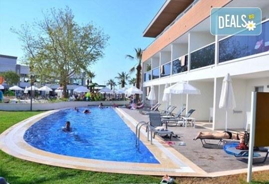 Луксозна почивка от август до октомври в Palm Wings Beach Kusadasi 5*, Кушадасъ, Турция! 7 нощувки на база All Inclusive и възможност за транспорт! - Снимка 14