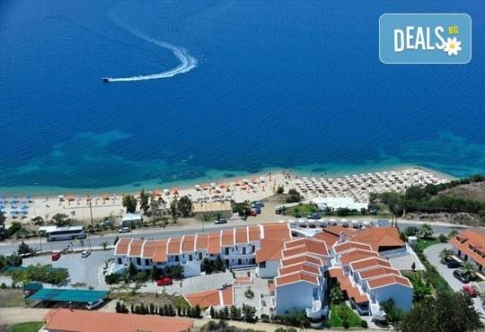 Септемврийски празници в Гърция, Халкидики! 3 нощувки със закуски в хотел Akti Ouranoupoli Beach Resort 4* и транспорт, от Вени Травел - Снимка 10