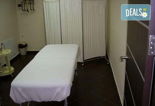 Отпуснете се с релаксиращ масаж на цяло тяло и масаж на ходила и длани в център Beauty and Relax! - Снимка 7