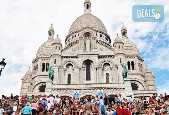 Самолетна екскурзия до Париж през септември с Дари Травел! 3 нощувки със закуски в хотел 3*, билет, трансфер и летищни такси! - Снимка 14