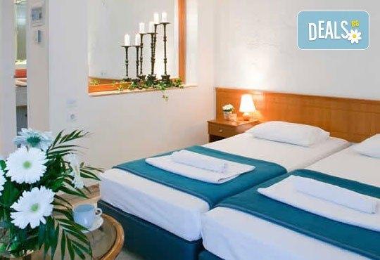 Почивка в Daphne Holiday Club 3*, Халкидики, Гърция, през август или септември! 5 нощувки със закуски и вечери, от Теско Груп! - Снимка 3