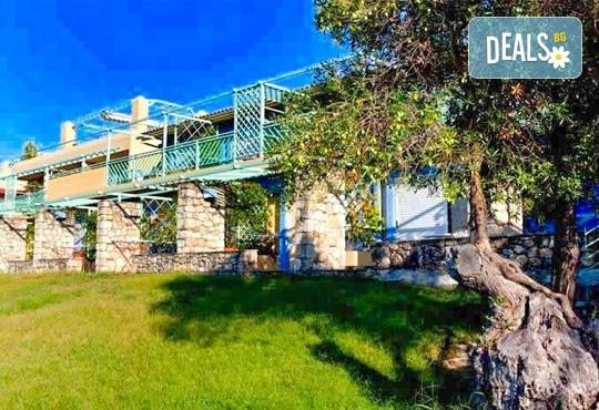Почивка в Daphne Holiday Club 3*, Халкидики, Гърция, през август или септември! 5 нощувки със закуски и вечери, от Теско Груп! - Снимка 14