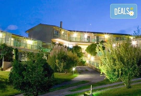 Почивка в Daphne Holiday Club 3*, Халкидики, Гърция, през август или септември! 5 нощувки със закуски и вечери, от Теско Груп! - Снимка 16