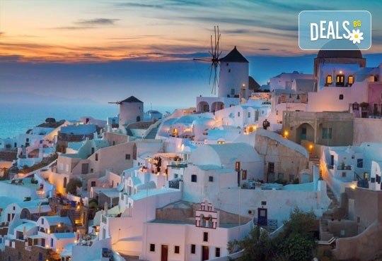 Екскурзия до Атина и о. Санторини, през октомври, с Караджъ Турс! 4 нощувки и закуски в хотели 2/3*, транспорт и програма - Снимка 5