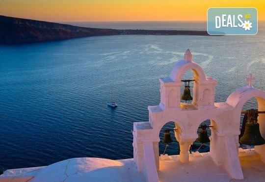 Екскурзия до Атина и о. Санторини, през октомври, с Караджъ Турс! 4 нощувки и закуски в хотели 2/3*, транспорт и програма - Снимка 7