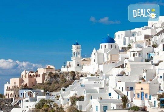 Екскурзия до Атина и о. Санторини, през октомври, с Караджъ Турс! 4 нощувки и закуски в хотели 2/3*, транспорт и програма - Снимка 6