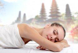 Насладете се на 60-минутен екзотичен балийски масаж с шест различни масажни техники в Студио Denny Divine! - Снимка