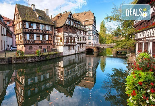 През септември до Швейцария със самолет: Страсбург, Лозана, Женева, Цюрих в 5 дни, 4 нощувки, закуски и самолетен билет от София Тур! - Снимка 1