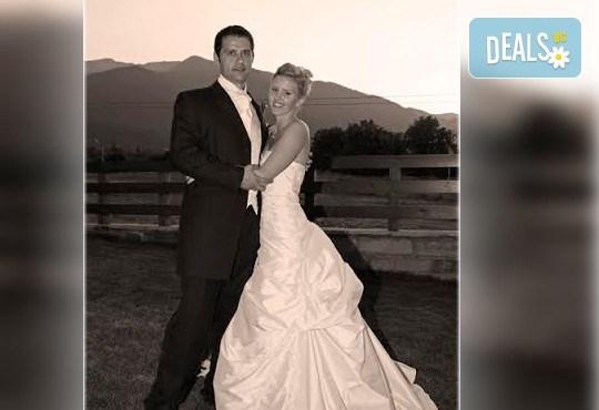 Професионално фотозаснемане на сватбено тържество, 300-350 обработени кадъра на CD, фотограф Любомир Панов - Снимка 4