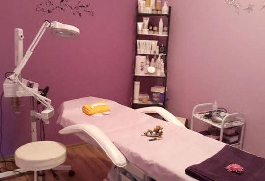 Мануално или ултразвуково почистване на лице с медицинска козметика Dr. Belter или Profi Derm и бонуси в студио Д&В! - Снимка 4