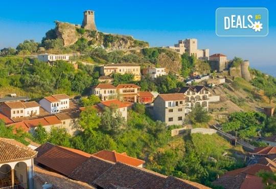 Почивка през септември в Албания! 5 нощувки със закуски и вечери в Дуръс, транспорт от Пловдив и София, разходка в Охрид, Елбасан и Скопие! - Снимка 1