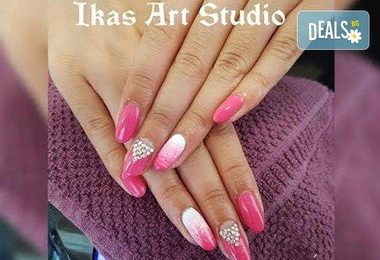 Погрижете се за ръцете и краката си с маникюр и педикюр с Shellac и бонус: 2/4 декорации от Икас Арт студио! - Снимка 5