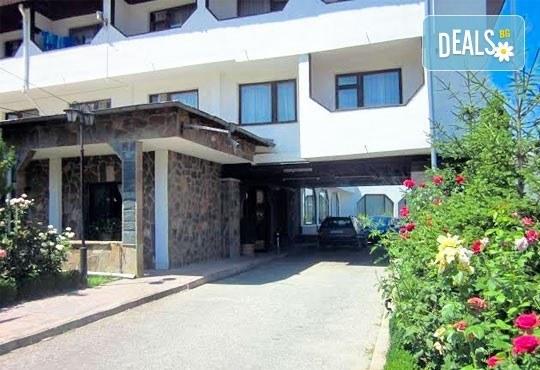 Почивка в Брацигово! 1 нощувка със закуска, обяд и вечеря и ползване на басейн в СПА хотел Виктория, цена на човек - Снимка 4