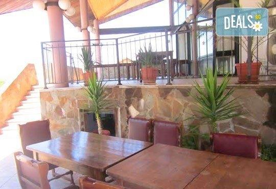 Почивка в Брацигово! 1 нощувка със закуска, обяд и вечеря и ползване на басейн в СПА хотел Виктория, цена на човек - Снимка 11