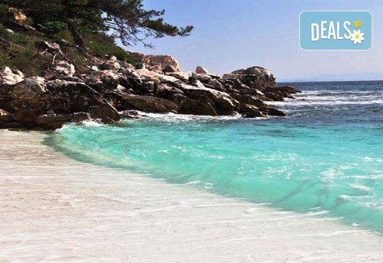 Екскурзия през октомври до о. Тасос - зеления рай на Гърция! 2 нощувки със закуски, билет за ферибот и транспорт, от Дари Травел! - Снимка 1
