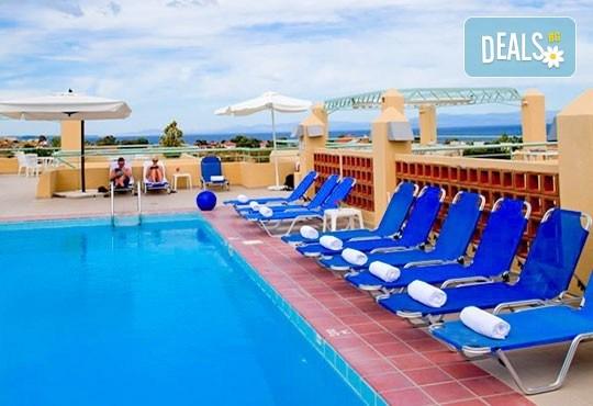 Почивка в Daphne Holiday Club 3*, Касандра, Халкидики, през септември! 5 нощувки със закуски и вечери, от Теско Груп! - Снимка 13