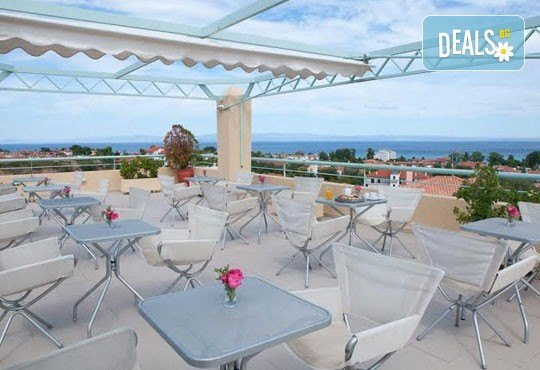 Почивка в Daphne Holiday Club 3*, Касандра, Халкидики, през септември! 5 нощувки със закуски и вечери, от Теско Груп! - Снимка 10
