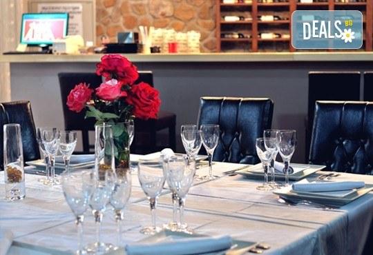 Празнична разходка до Македония през септември! 1 нощувка със закуска и вечеря в хотел Aurora Resort & SPA 5* в Берово, транспорт и програма - Снимка 8
