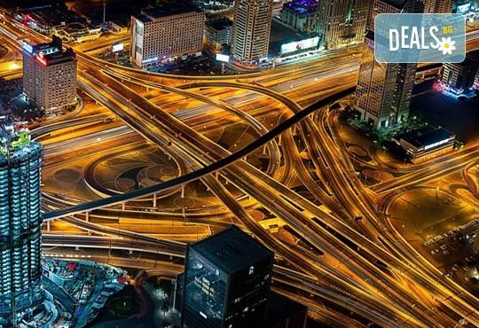 Нова година в приказно красивия Дубай, ОАЕ! 4 нощувки със закуски в 4-звезден хотел по избор, самолетен билет и панорамна обиколка! - Снимка 3