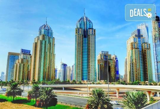 Нова година в приказно красивия Дубай, ОАЕ! 4 нощувки със закуски в 4-звезден хотел по избор, самолетен билет и панорамна обиколка! - Снимка 2