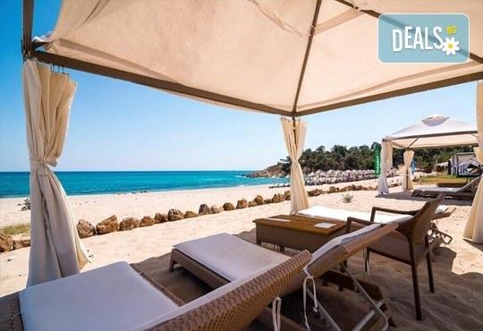 Последни слънчеви лъчи и топло море през октомври на о. Тасос! Почивка в Hotel Blue Dream Palace Thassos 4*: 3 нощувки със закуски, 1 вечеря и транспорт! - Снимка 11
