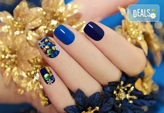 Красиви ръце! Маникюр с гел лак BlueSky и декорации на 4 пръста с камъчета дизайн Swarovski в Салон за красота Карибите - Снимка 2