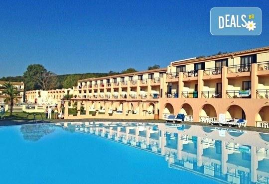 Септемврийска почивка на о. Корфу, Гърция: 3 нощувки All Inclusive в Messonghi Beach Holiday Resort, транспорт и водач, нощен преход на отиване! - Снимка 1
