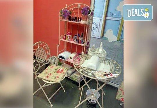 Масажно измиване, подстригване и терапия за коса с продукти Milk Shake и прическа със сешоар в салон Блейд! - Снимка 3