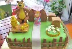 3D торта с любими на децата герои от филмчета по дизайн на Сладкарница Орхидея! - Снимка
