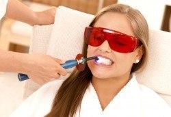 Възползвайте се от безболезнена процедура за красива и сияйна усмивка! Професионално избелване на зъби от д-р Екатерина Петрова! - Снимка
