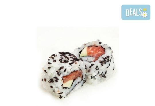Панирани пресни калмари със сос айоли и домашни пържени картофи с розмарин от Club Gramophone - Sushi Zone! - Снимка 4