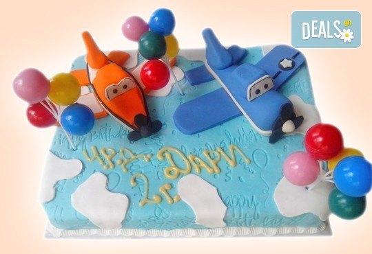 За момчетата! 3D торта с герои от филми по дизайн на Сладкарница Орхидея! - Снимка 3