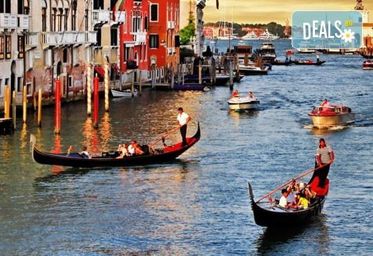Септемврийски празници в Италия! 2 нощувки със закуски в района на Лидо Ди Йезело, транспорт и възможност за посещение на Венеция! - Снимка 1