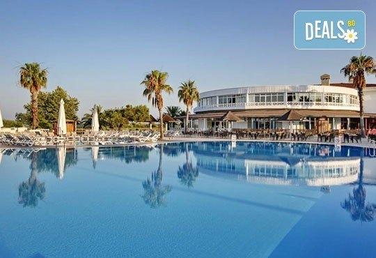 Last minute почивка със самолет в Анталия, тръгване на 10.09! 7 нощувки, Ultra All Inclusive в хотел Euphoria Palm Beach Resort 5*, Сиде, двупосочен билет, летищни такси и трансфери - Снимка 1