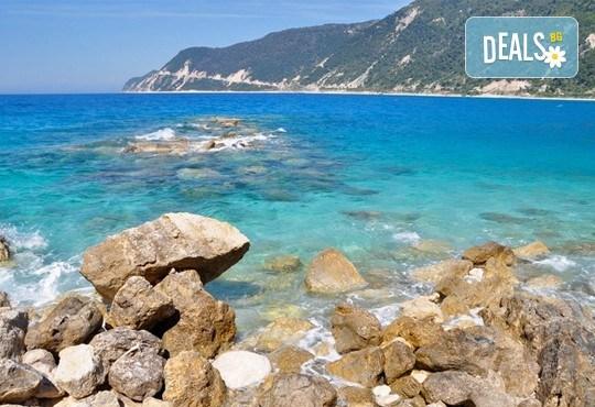 Септемврийски празници на остров Лефкада, Гърция: 4 нощувки, закуски и вечери, водач и транспорт от Плевен! - Снимка 4