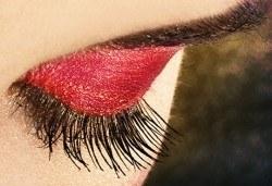 Пленителен поглед! Поставяне на 3D мигли от норка или коприна, 50% отстъпка от поддръжка и Бонус маска за лице в Ивелина студио! - Снимка