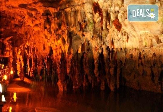 Пътувайте през октомври и декември за ден до Драма и пещерата Маара в Гърция: транспорт, екскурзовод от Глобул Турс! - Снимка 1