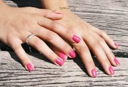 Украсете ноктите си с класически или френски маникюр с гел лак Bluesky/S&A в салон за красота Виктория! - Снимка