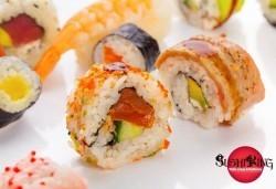 Голям суши сет 108 хапки със сьомга, риба тон и японски сосове от Sushi King