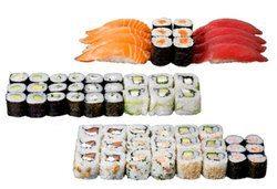 Супер предложение от Sushi King! 50 броя хапки със сьомга, пушена скумрия, нори, авокадо и японски сосове в Суши сет Даймьо! - Снимка
