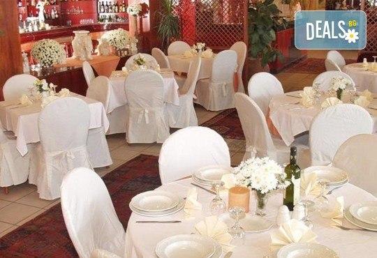 Почивка през септември на Олимпийската ривиера, Гърция - 5 нощувки със закуски и вечери в Platon Beach Hotel 2*! - Снимка 6