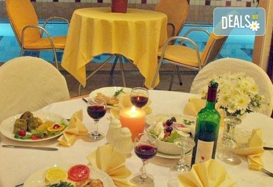 Почивка през септември на Олимпийската ривиера, Гърция - 5 нощувки със закуски и вечери в Platon Beach Hotel 2*! - Снимка 8