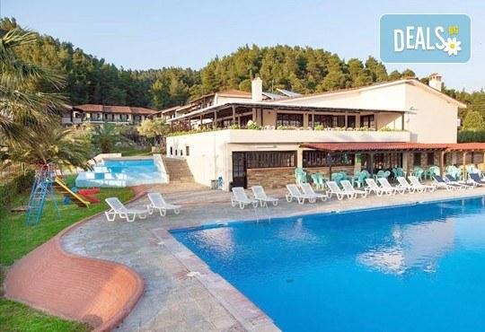 Почивка през септември на Халкидики, Гърция! 5 нощувки на база All Inclusive в Bellagio Hotel 3*, Касандра, от Теско Груп! - Снимка 3