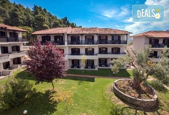 Почивка през септември на Халкидики, Гърция! 5 нощувки на база All Inclusive в Bellagio Hotel 3*, Касандра, от Теско Груп! - Снимка 2
