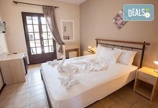 Почивка през септември на Халкидики, Гърция! 5 нощувки на база All Inclusive в Bellagio Hotel 3*, Касандра, от Теско Груп! - Снимка 4
